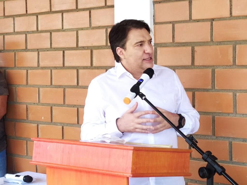 Giacobo prioriza educação e entrega melhorias para Universidade